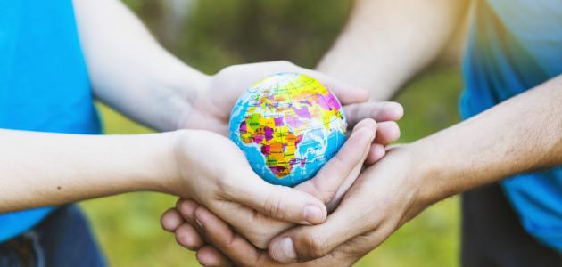 آثار العمل التطوعي على الفرد والمجتمع