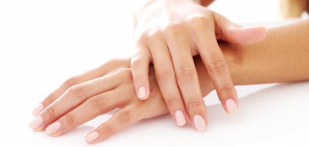 طريقة إزالة رائحة الكلور عن اليدين