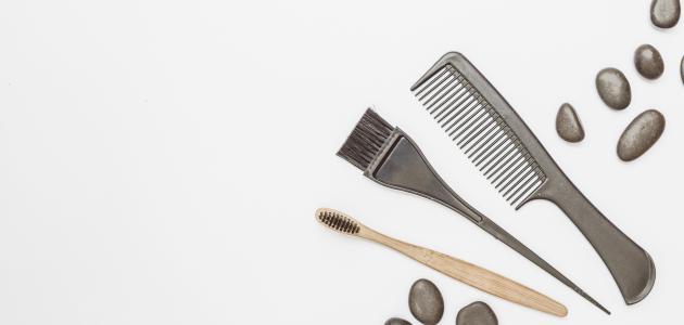 طريقة تنظيف مشط الشعر