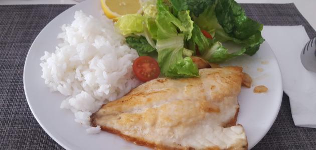 طريقة عمل كفتة السمك بالأرز