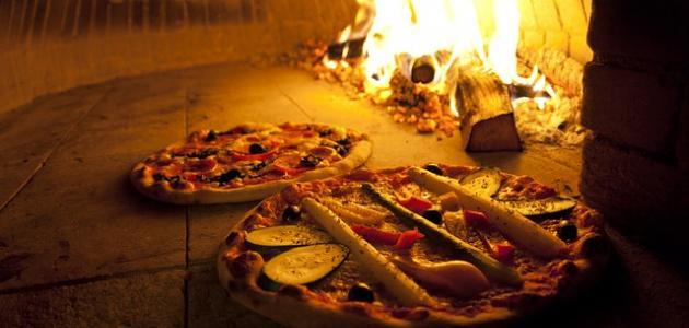 طريقة خبز البيتزا في الفرن