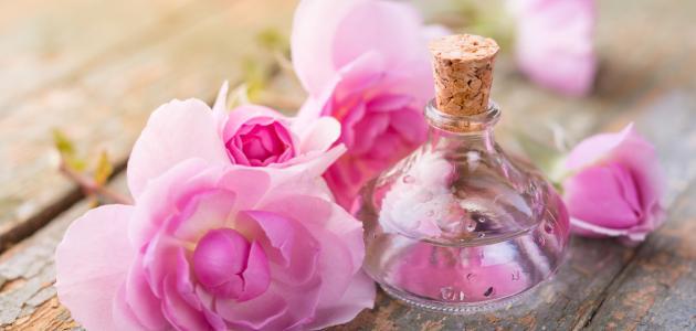 النشا مع ماء الورد