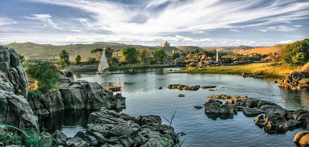 من أين ينبع نهر النيل وأين يصب