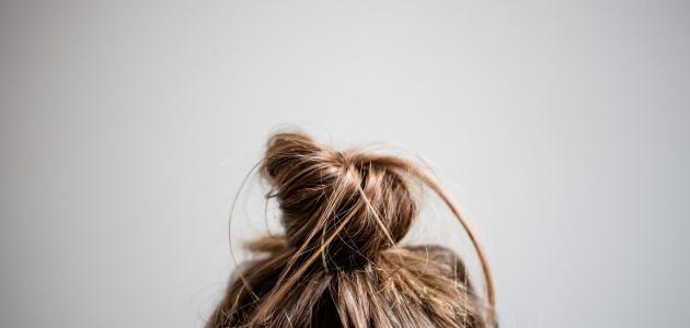 كم ساعة يترك الزيت على الشعر