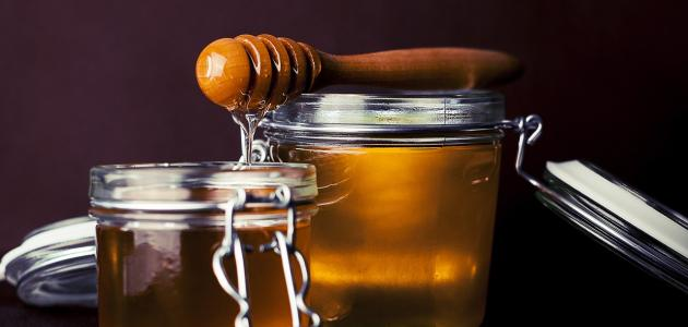 الماء الدافئ والعسل