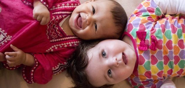كيفية الاهتمام بشعر الطفل الرضيع