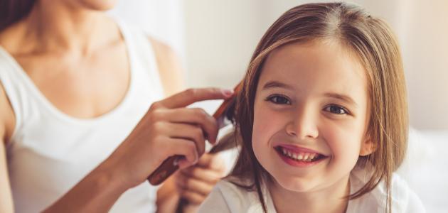 كيف أجعل شعر بنتي طويلاً وكثيفاً