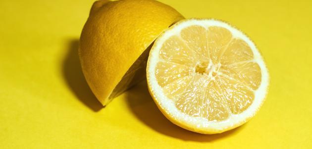 كيف أصنع زيت الليمون في المنزل