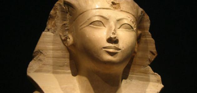 الملكة حتشبسوت وأعمالها - موضوع