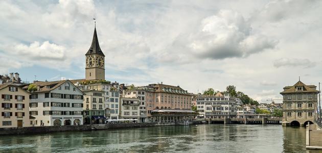 ما هي مساحة سويسرا