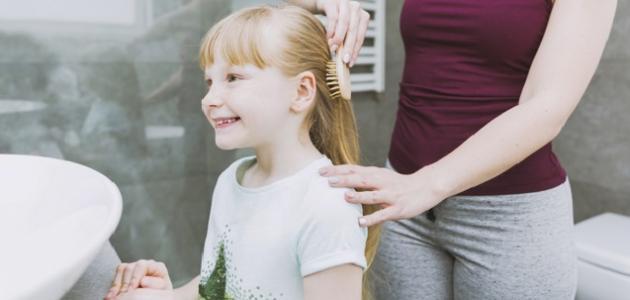 كيف أجعل شعر بنتي كثيفاً وطويلاً