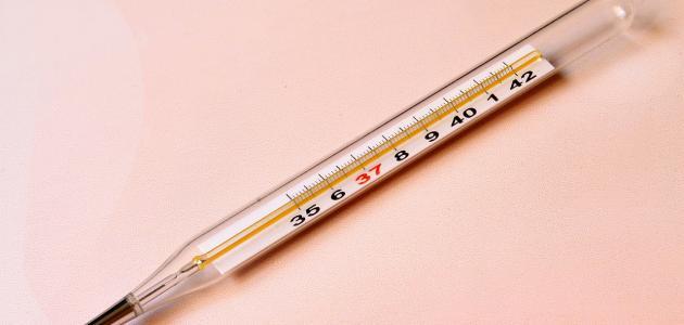 كيفية التعامل مع ارتفاع درجة الحرارة عند الاطفال