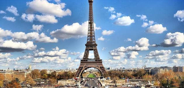 ما طول برج إيفل