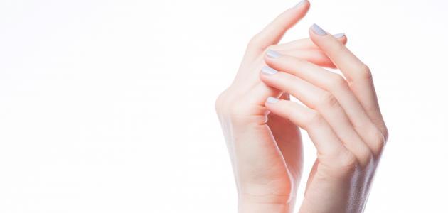 طريقة تنعيم اليدين بسرعة