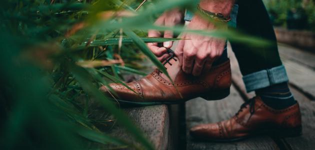 كيفية توسيع الحذاء الجديد الضيق