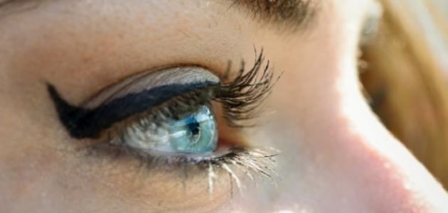 طريقة تطويل رموش العين