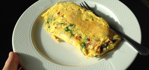 طريقة عمل البيض المقلي بالخضار
