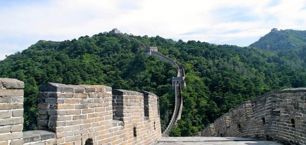 ما سبب بناء سور الصين العظيم