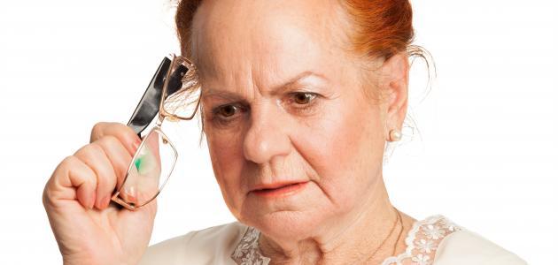 كيفية التعامل مع كبار السن المصابين بالزهايمر