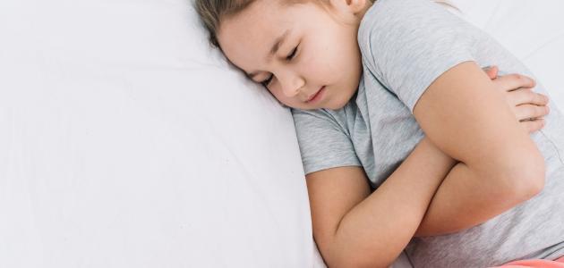 ما أسباب الإمساك عند الأطفال