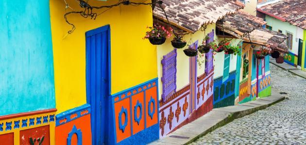 ما هي اللغة الرسمية في كولومبيا