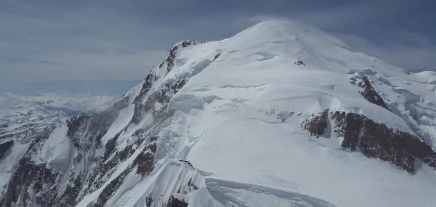 ما هي أعلى القمم في إيطاليا