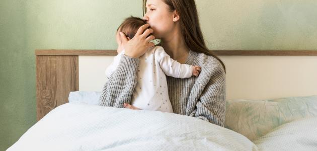 كيفية التعامل مع مغص حديثي الولادة
