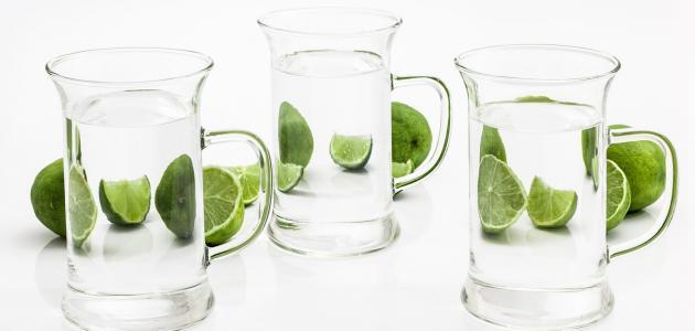 الماء الفاتر والليمون للتنحيف