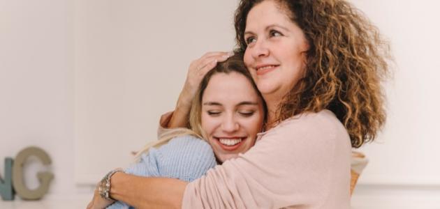 كيفية التعامل مع ابنتى في سن المراهقة