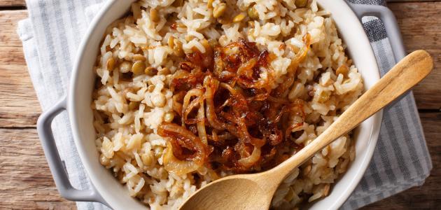 طريقة عمل مجدرة الأرز والعدس