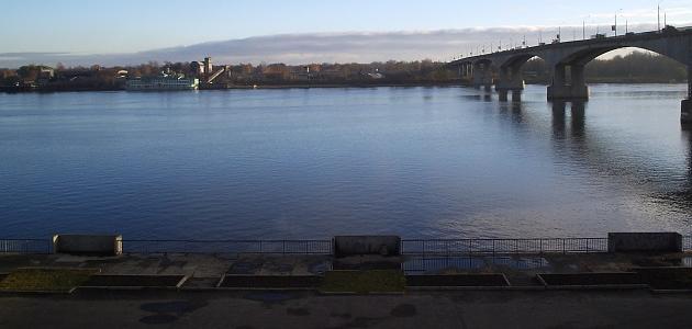 أين يصب نهر الفولجا