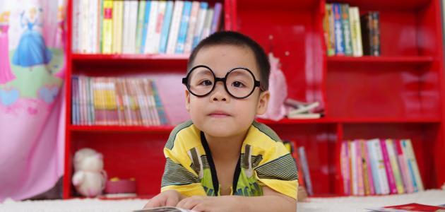أعراض نقص النظر عند الأطفال