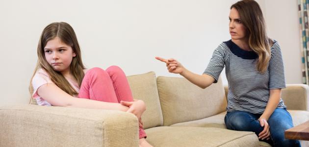 كيفية التعامل مع الطفل الذي يشتم