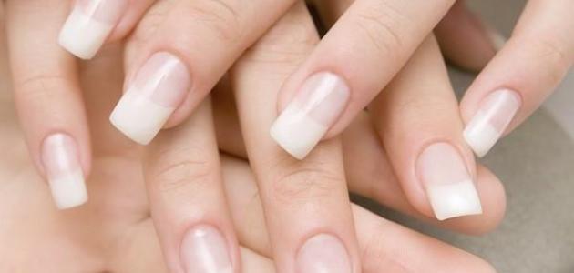 كيف أزيل الجلد الميت حول الأظافر
