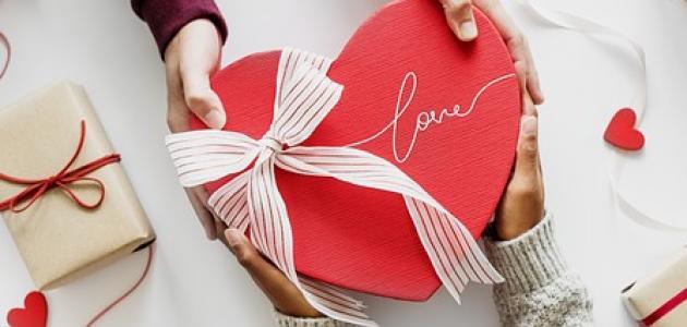 كيفية اختيار هدية للحبيب