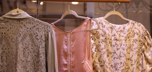 كيفية كي الملابس بدون مكواة