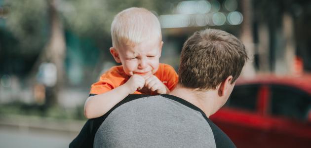 كيفية التعامل مع الطفل العصبي وكثير البكاء