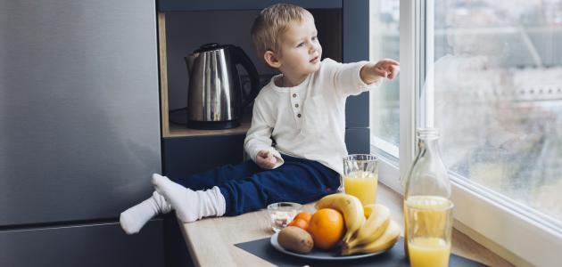 كيفية التعامل مع الطفل الذي يرفض الطعام