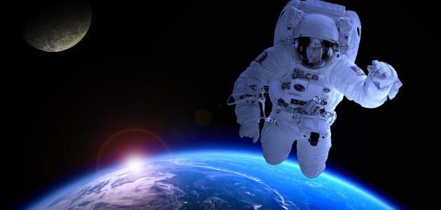 أول رائد فضاء مسلم