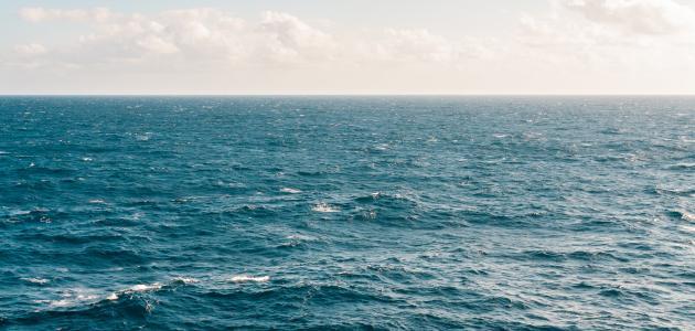 ما الفرق بين البحار والمحيطات