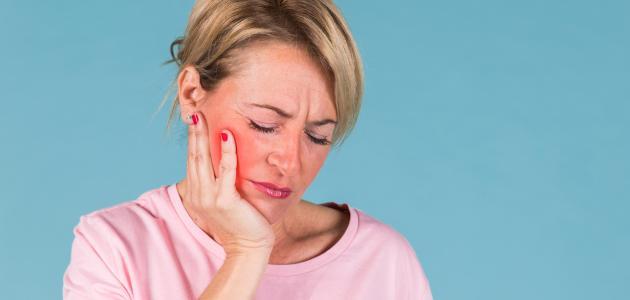 ما سبب ألم الأسنان