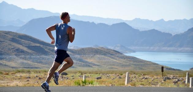 كم يحتاج الرياضي من البروتين