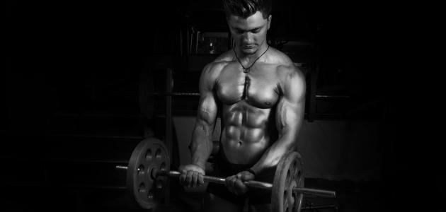 كم يحتاج لاعب كمال الأجسام من السعرات الحرارية