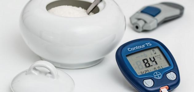 ما هو السكر الطبيعي في الدم