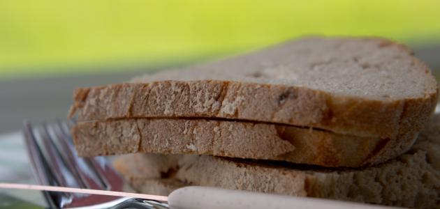 كم يحتوي رغيف الخبز من سعرات حرارية