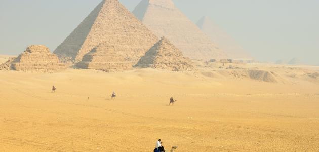 لماذا تم بناء الأهرامات