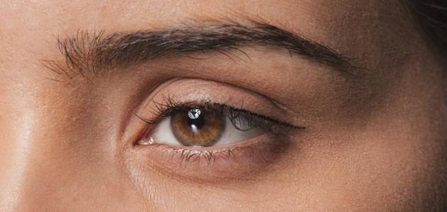 كيفية التخلص من انتفاخ العين بعد البكاء