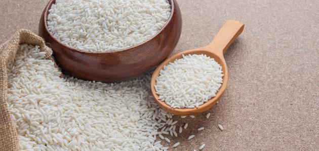 كيفية تحضير ماء الأرز للشعر موضوع