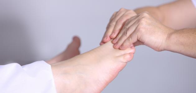 كيفية علاج تنميل القدمين