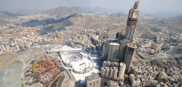 ما هو طول برج الساعة في مكة